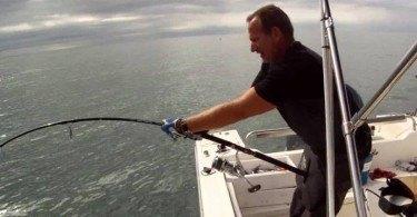 La pêche sur le lac de premier mai