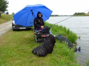 meilleur-parapluie-de-peche